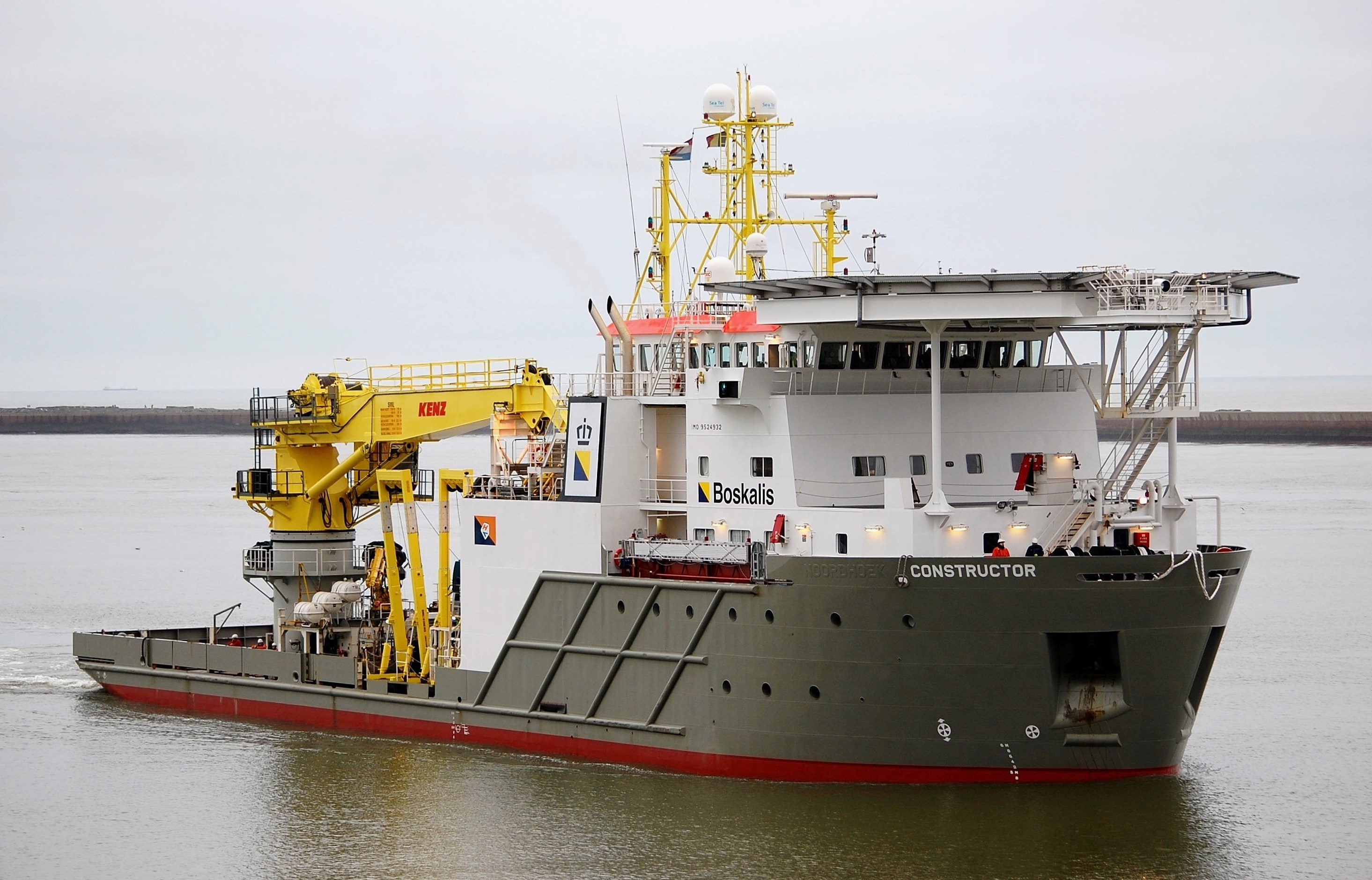 Boskalis signs multi-year subsea services contract in Middle East