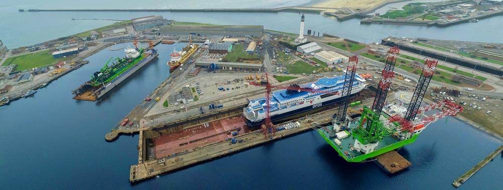 Heavy lift jack-up Apollo completes refit at  Damen Shiprepair Dunkerque
