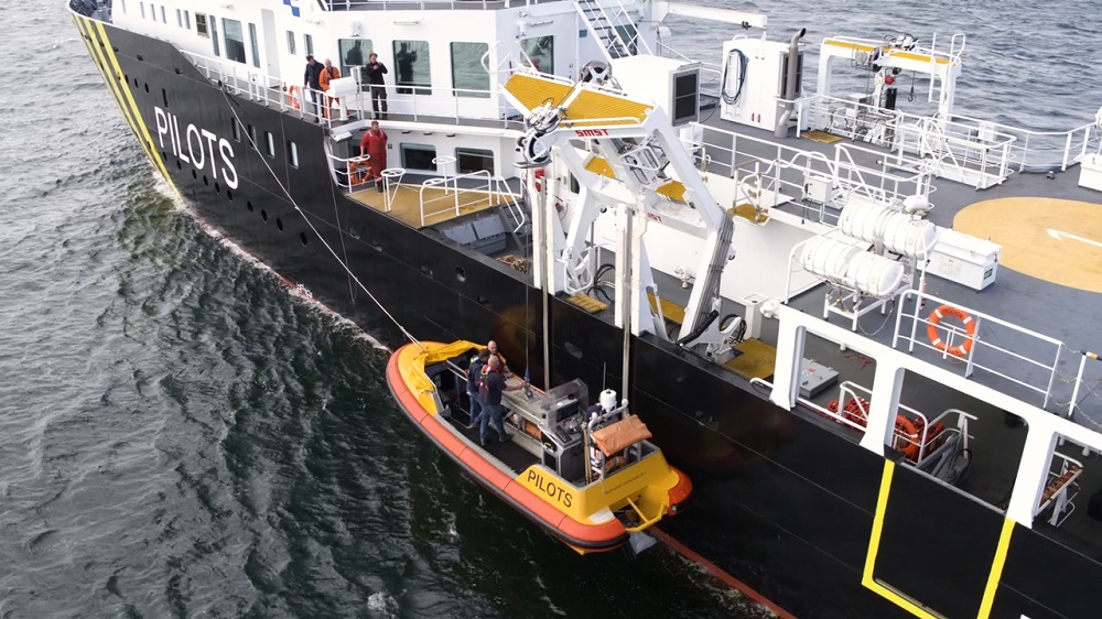 Pilot vessel Procyon equipped with 3 SMST davit systems
