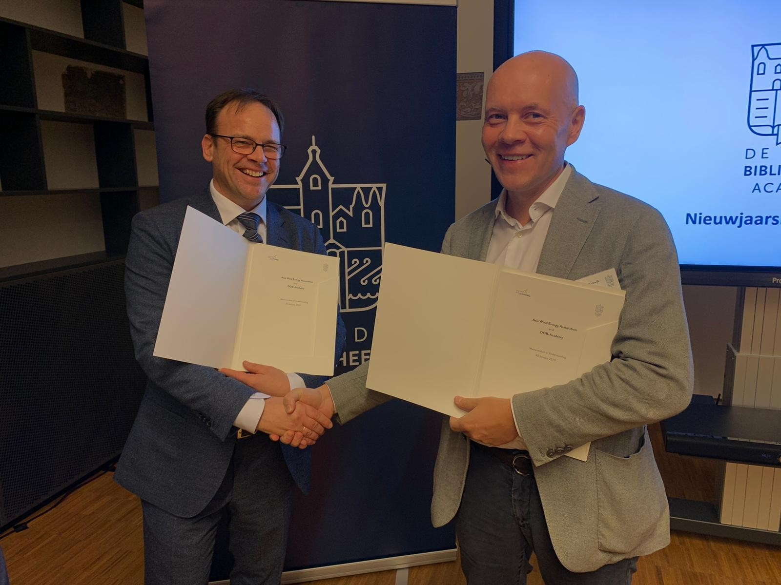 DOB-Academy and the Asia Wind Energy Association have signed a MOU to establish the Asia-Pacific Offshore Wind Academy in Singapore