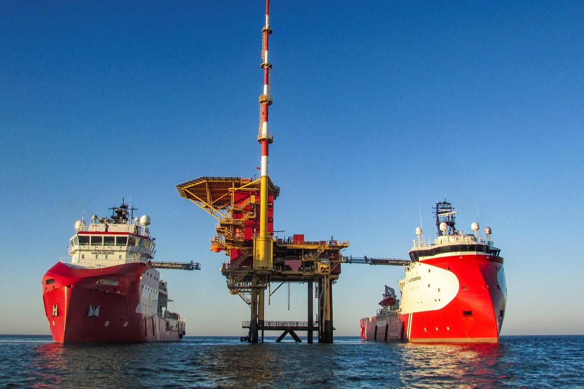 Ampelmann sells winterised A-type gangway system to Royal Niestern Sander shipyard