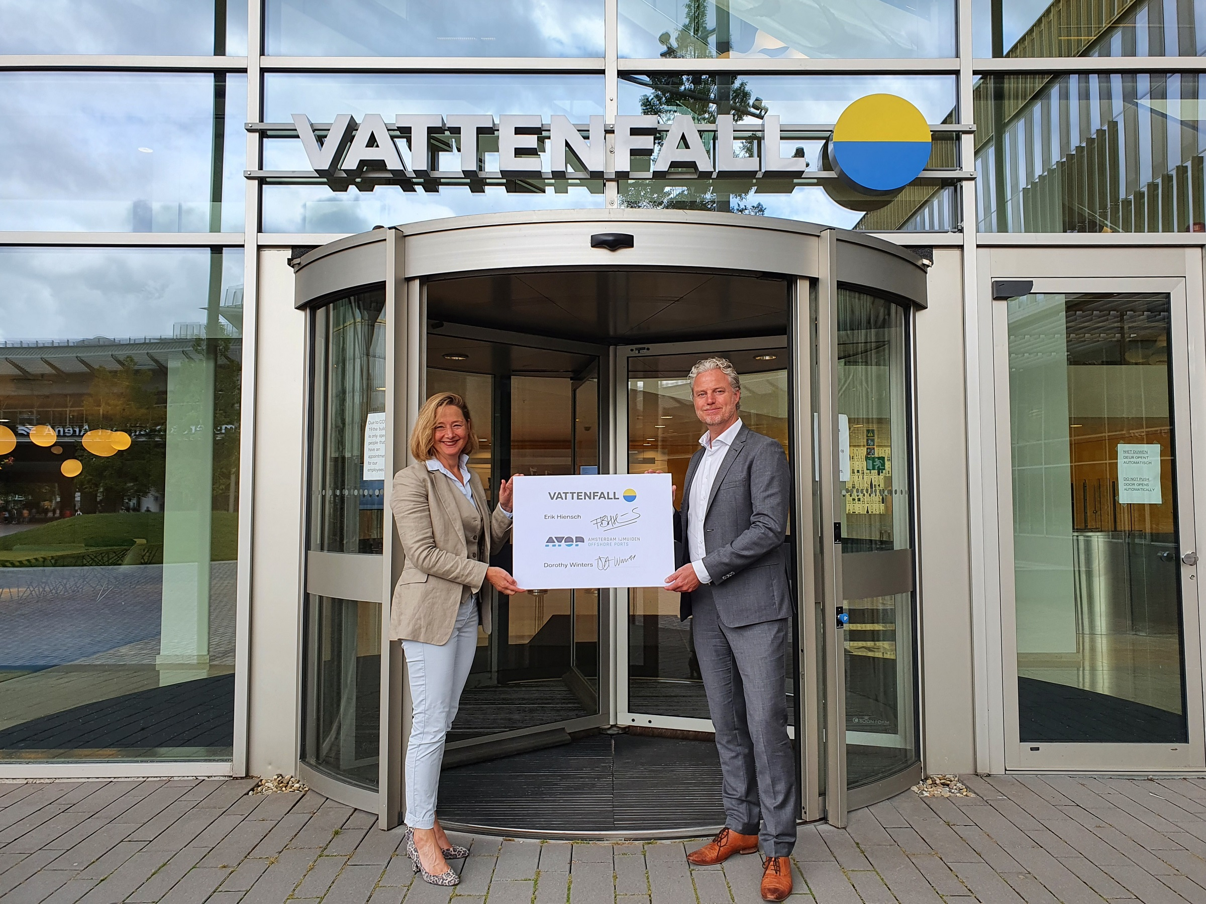 Vattenfall expands its activities in the IJmuiden region and joins Amsterdam IJmuiden Offshore Ports
