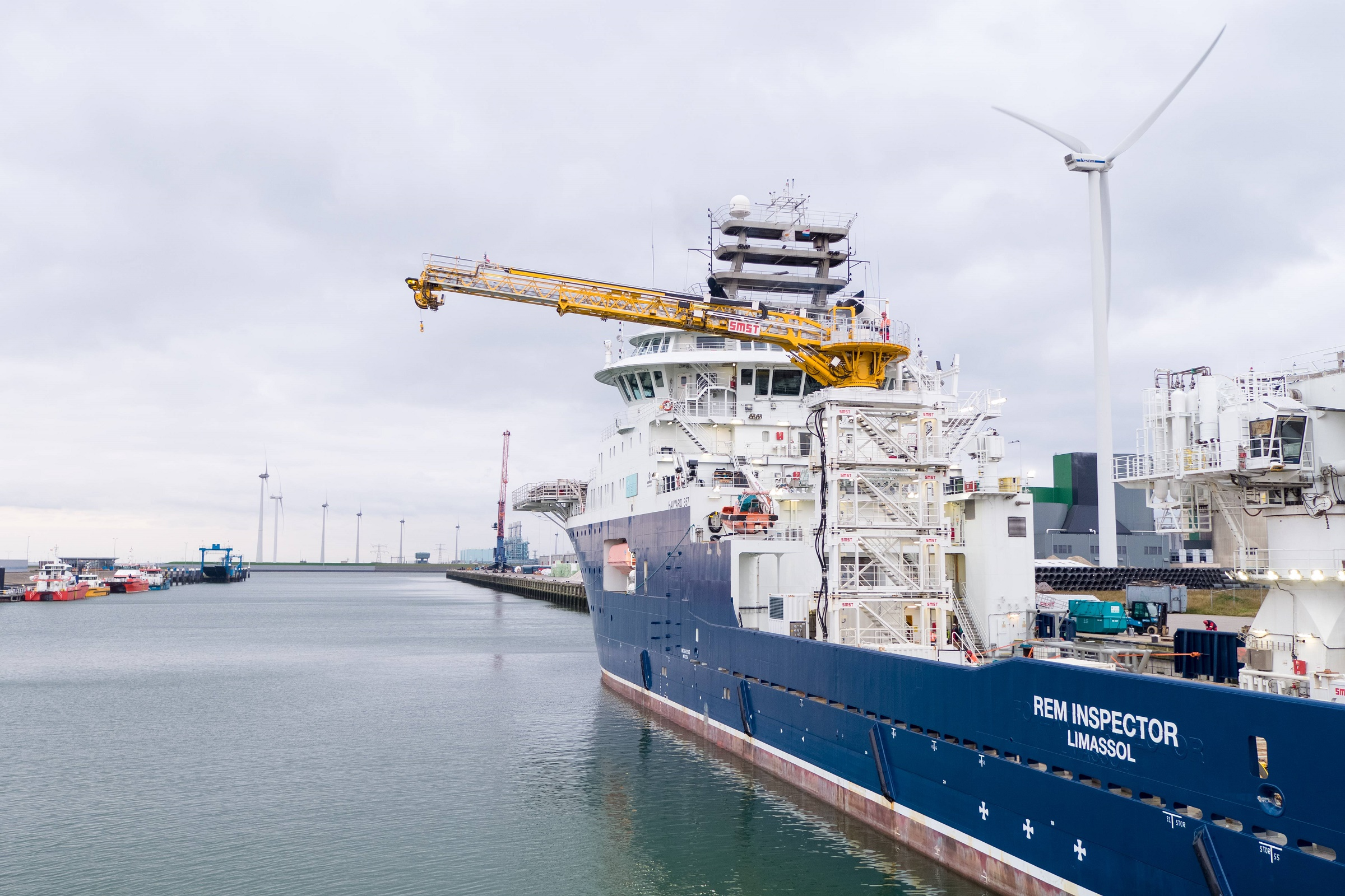SMST's newest rental gangway in operation for Rem Offshore