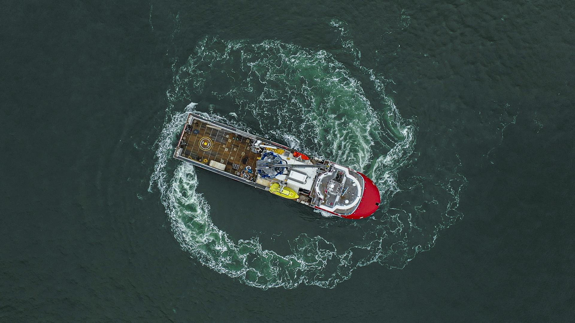 Third 'walk-to-work' vessel into service as 'Keizersborg'