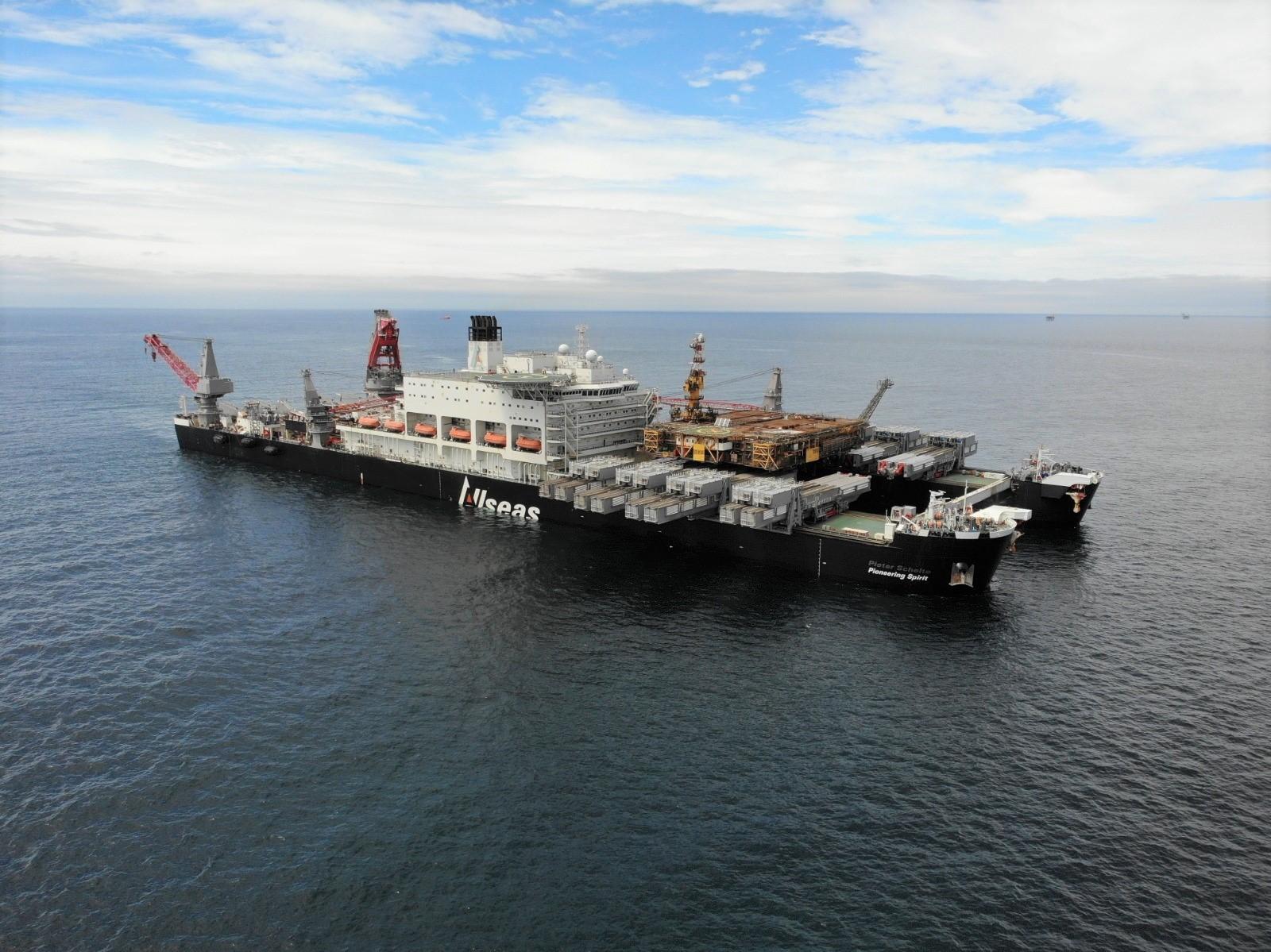 World's largest vessel removes Morecambe Bay topsides