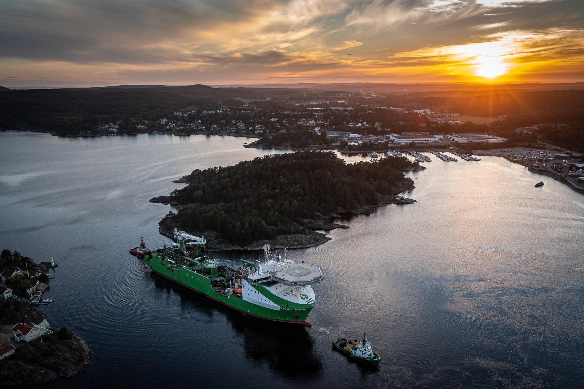 DEME Offshore installeert met succes DolWin6 HVDC-kabel met 'Living Stone' aangedreven door LNG