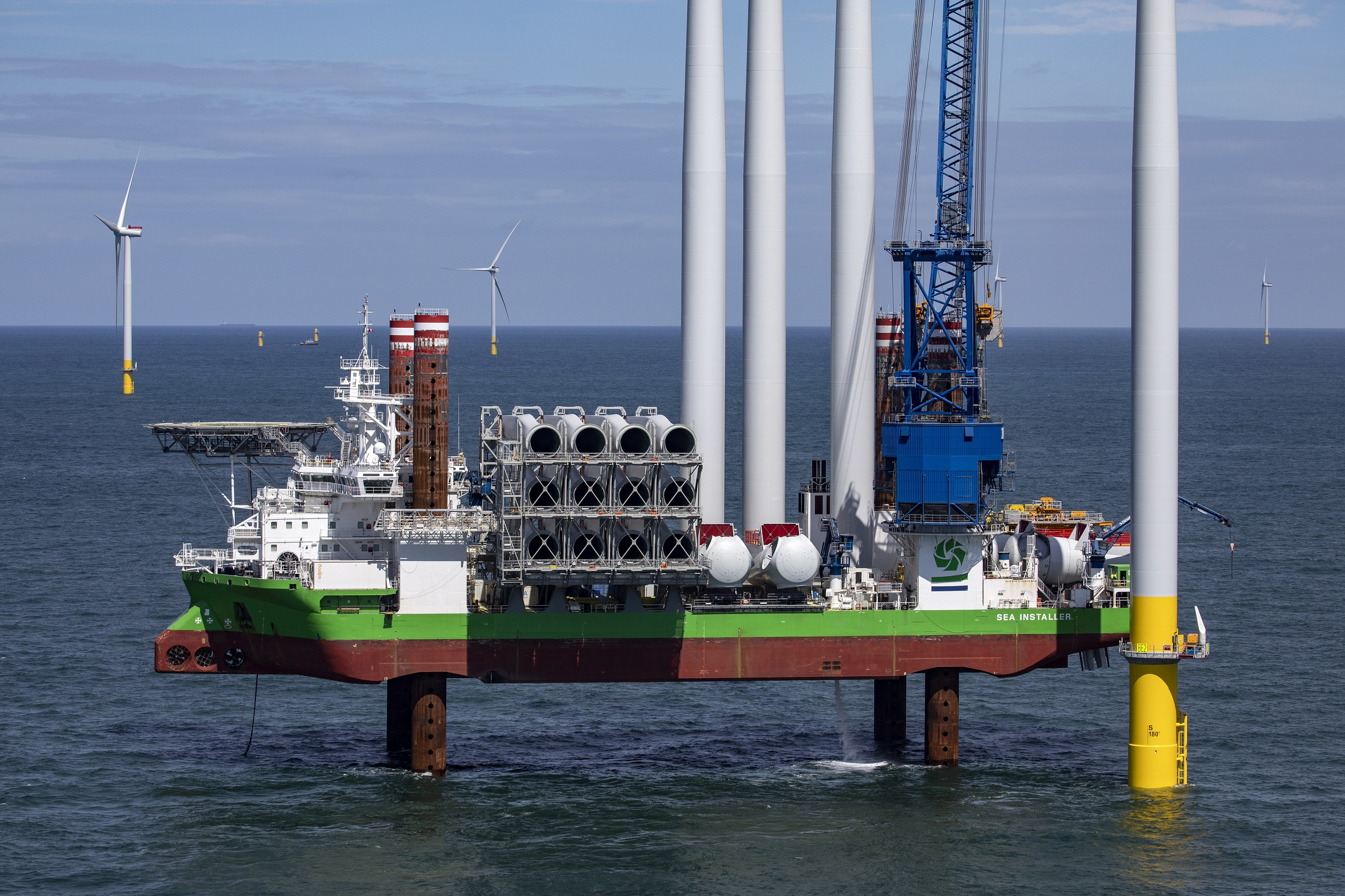DEME Offshore prepares for next generation turbines with major crane upgrade for 'Sea Installer'